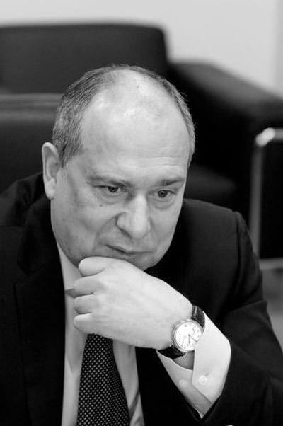 «Нужно за один-два месяца нормализовать ситуацию в финансовой сфере»