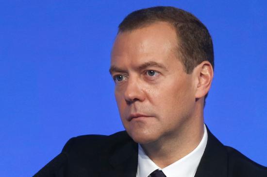 Медведев осмотрел строящийся терминал Bаэропорта «Шереметьево»