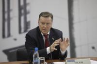 Олег Нилов выступил за жёсткий контроль водителей такси