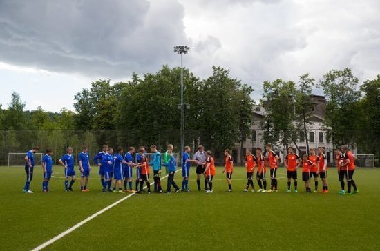 Сборная Совфеда по футболу проиграла юношеской команде ФК «Тотем»