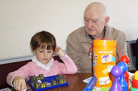 Детям-подкидышам назначат новый вид социальной пенсии