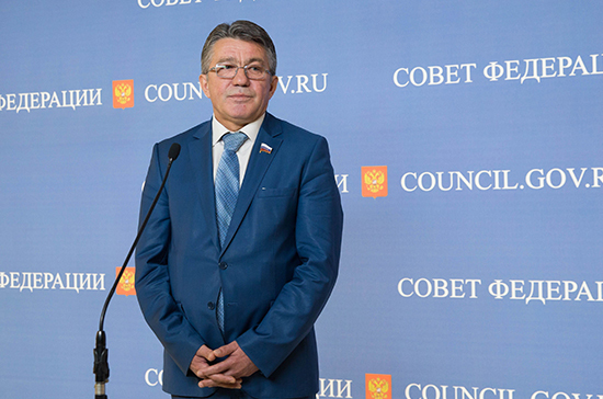 Совфед освободил от должности сенатора Озерова