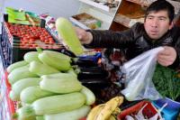 Цены на продукты растут не из-за холодов, а из-за аппетитов торговцев