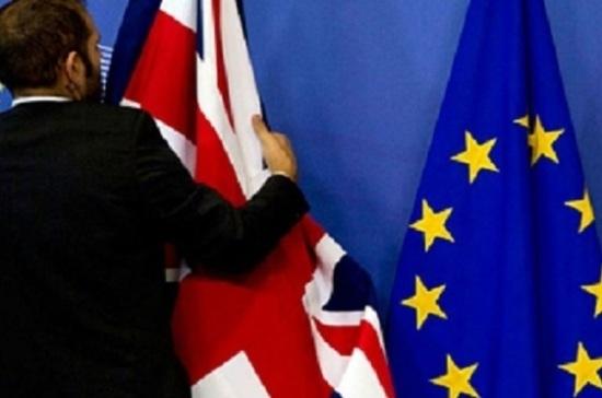 СМИ: Brexit может нарушить авиасообщение с ЕС и США