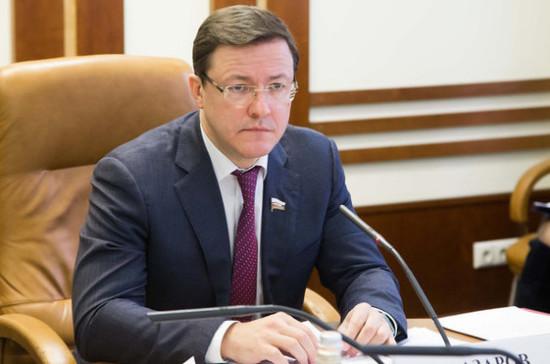 Азаров назвал единство и этнокультурное многообразие народов России залогом стабильного развития страны
