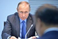 Путин назвал нарушением закона требования к родителям учеников покупать парты для школ