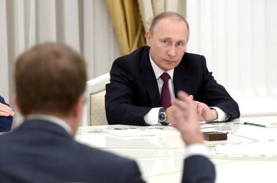 Путин поручил Минэнерго снизить риски системного сбоя в энергосистеме РФ