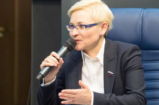 Людмила Бокова одобрила инициативу обязать госорганы иметь страницы в соцсетях