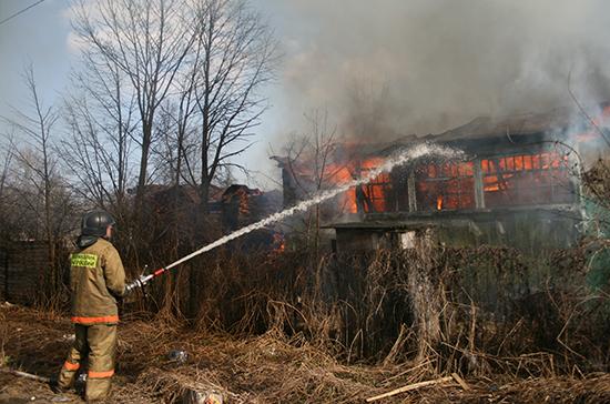Впожаре  нашвейной фабрике вСмоленске умер  один человек— МЧС