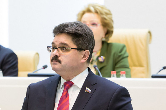 Сенатор Широков анонсировал повторное рассмотрение Совфедом законопроекта о либерализации золотодобычи