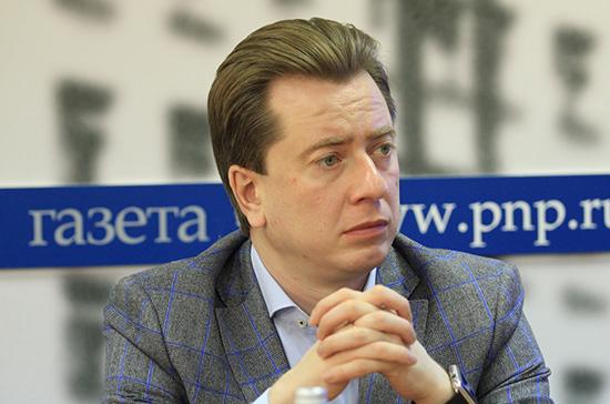 Депутаты «Единой России» 1 сентября обсудят со школьниками будущее России, заявил Бурматов