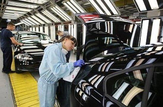 В Минпромторге решили субсидировать приобретение отечественных автомобилей за рубежом