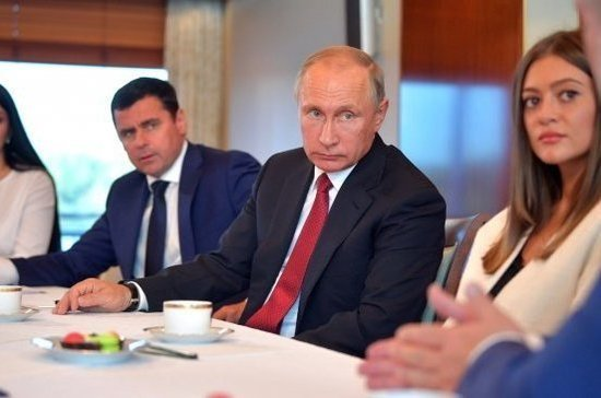 Путин отметил важность сохранения народных промыслов Ярославской области