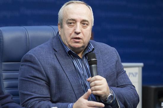 Действия Петра Порошенко по биометрическому контролю для россиян неадекватны, заявил Клинцевич