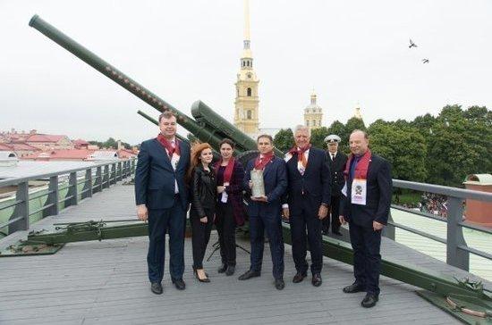 Депутат Романов дал залп из петропавловской пушки по случаю Дня знаний