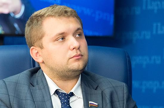 Чернышов предложил ввести учительский контроль над контентом в соцсетях