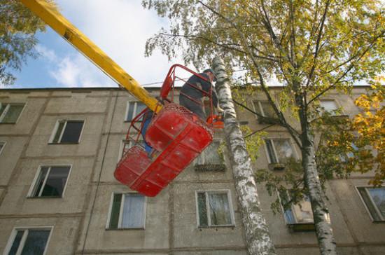 Медведев отметил необходимость проведения капремонта в школах