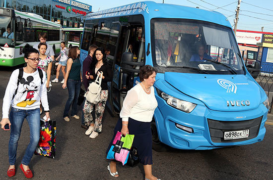 В России собираются вернуть лицензирование всех автобусных перевозок