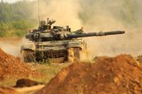 Поставки танка Т-90М в войска могут начаться в 2018 году, заявил глава Уралвагонзавода