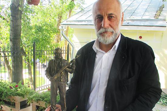 В Москве появятся памятник Калашникову и бюсты советских руководителей