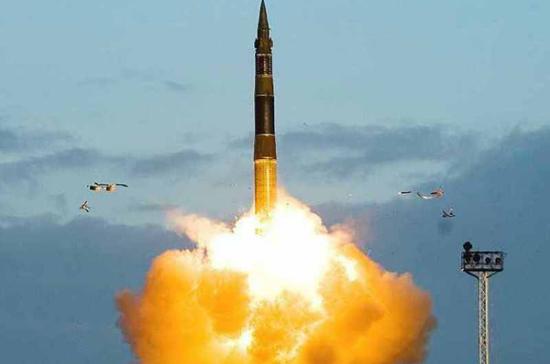 Россия провела испытания новейшей ракеты с разделяющейся головной частью
