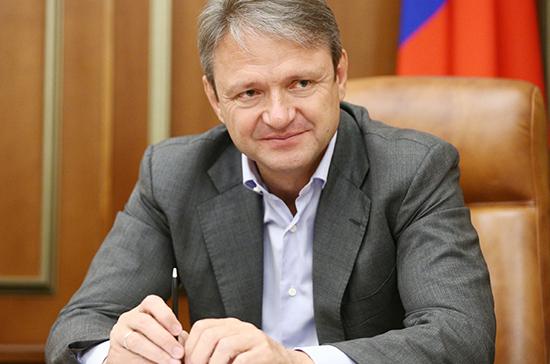Руководитель МинсельхозаРФ Александр Ткачев предложил снизить НДС наплоды иягоды