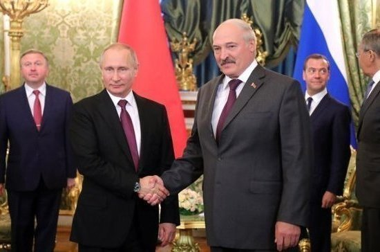 Лукашенко официально пригласил Путина в Белоруссию для посещения «Запада-2017»