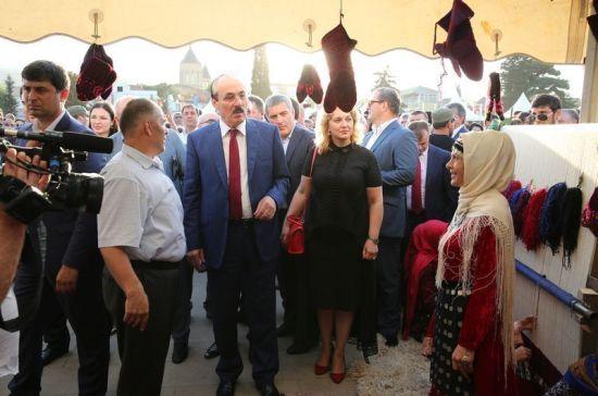 Глава Дагестана принял участие в торжествах по случаю Дня народного единства