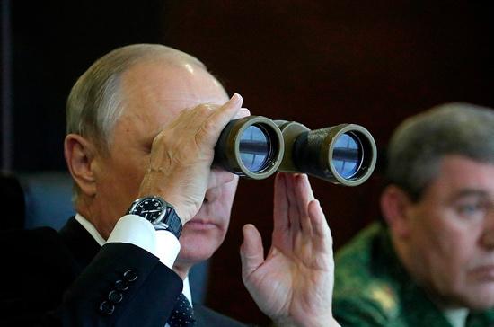 Владимир Путин посмотрел учения «Запад-2017»