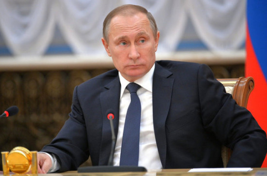 Владимир Путин поручил обнулить НДС наавиасообщение сКалининградом к 2018-ому