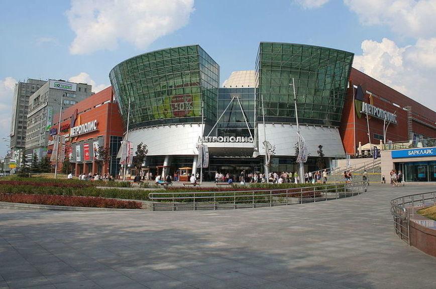 В Москве из-за угрозы взрывов эвакуировали посетителей трёх торговых центров