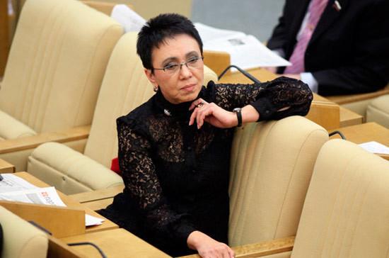 Новый график работы Госдумы улучшит работу с избирателями, считает Лариса Шойгу