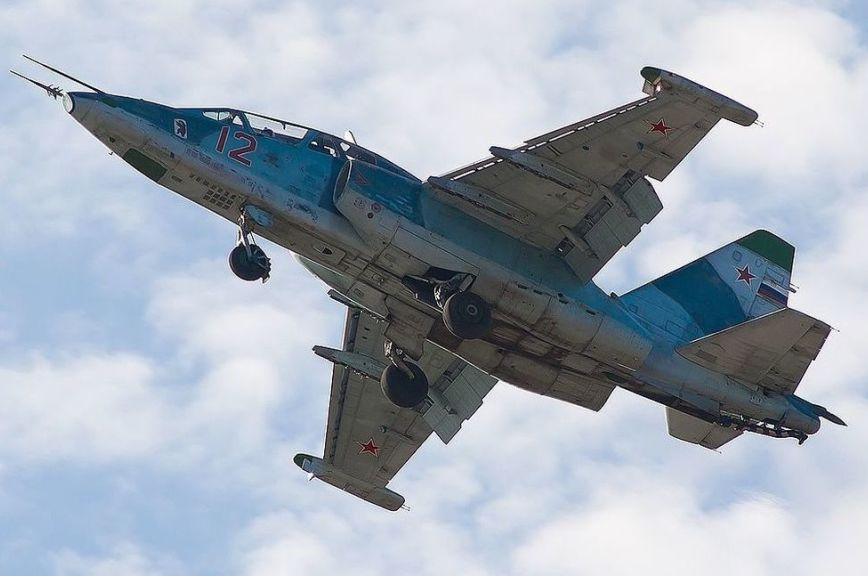В Сети появилось видео авиаударов по окружившим российский взвод сирийским боевикам
