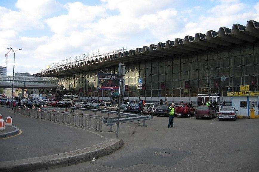 Курский вокзал эвакуируют из-за анонимного звонка оминировании