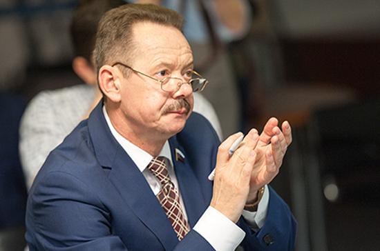В Госдуме отметили организаторские способности избранного президента РАН