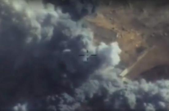 Переговоры с террористами в Сирии бесполезны, заявил политолог