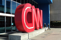 Предупреждение Роскомнадзора CNN лишено политического подтекста, считает эксперт