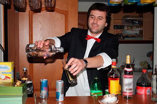 Карельские депутаты предложили штрафовать барменов, продающих алкоголь без вскрытия бутылки