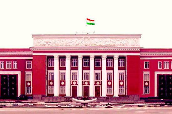 Отставным офицерами Таджикистана дали право вернуться на военную службу