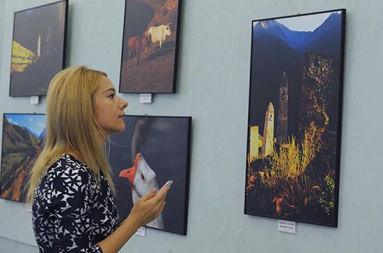 Фотовыставка «От Москвы до самых до…» проходит в Госдуме