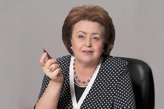 Зинаида Драгункина рассказала, как улучшить положение сельских учителей