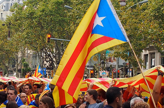 На референдуме в Каталонии за независимость высказались 90,18% проголосовавших