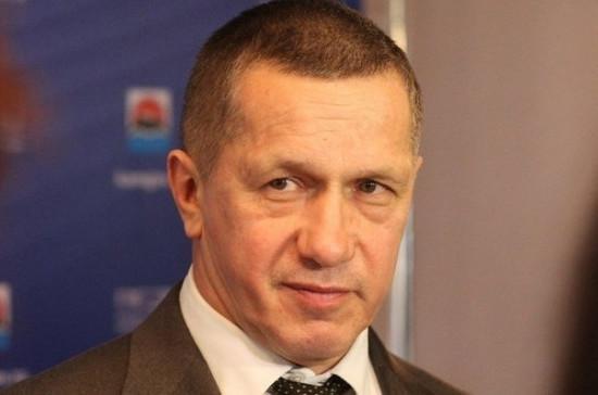 Трутнев представил администрации и депутатам врио главы Приморья Тарасенко