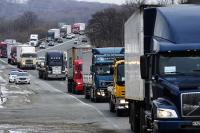 Правительство выделило регионам почти 10 млрд рублей на строительство и ремонт дорог