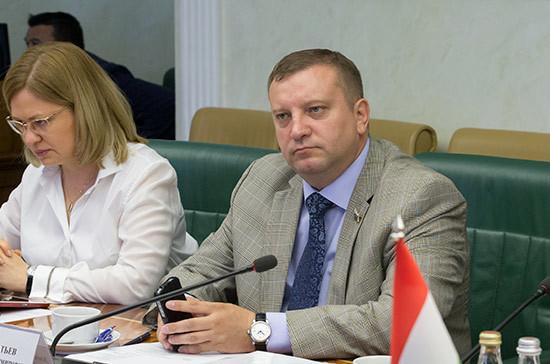 Сенатор обратился в Генпрокуратуру для признания батальонов «Донбасс и «Азов» террористическими организациями