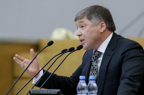 Шайхутдинов: прогрессивную шкалу налогообложения вводить ещё рано