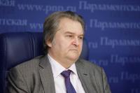 Михаил Емельянов предложил объединить оппозиционные парламентские партии в одну