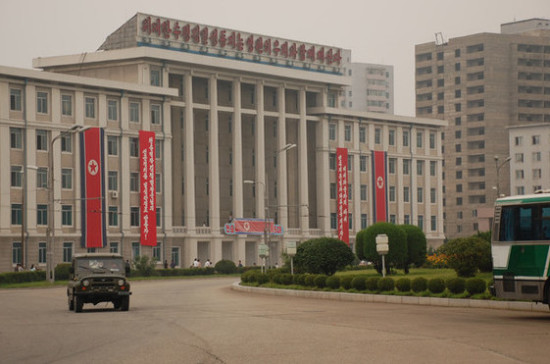 Тиллерсон: США продолжат усилия поурегулированию кризиса вокруг КНДР