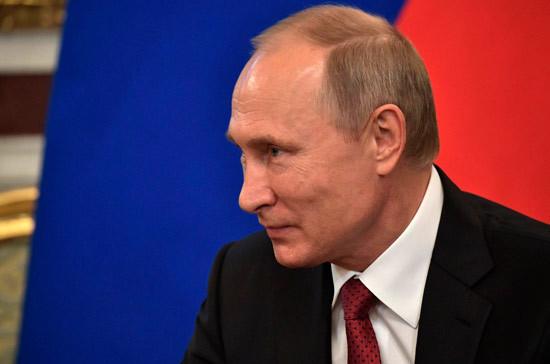 Путин поздравил Атамбаева с успешным проведением выборов президента