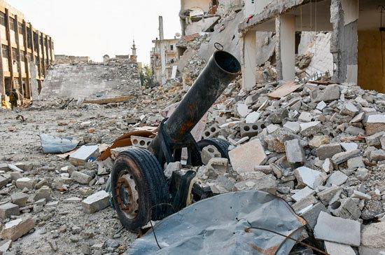 Сирийцы показали оружие НАТО, захваченное убоевиковИГ
